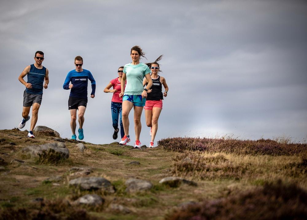 coureurs hommes femmes nature trail running
